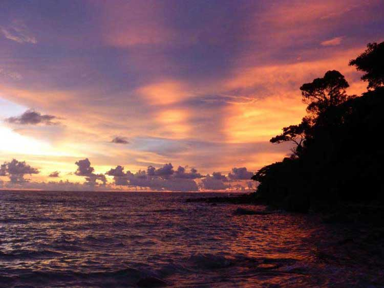 Sunset Beach na Koh Rong Samloem
