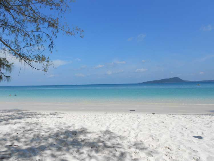 White-Beach-on-Koh-Rong-Island-in Kamboca