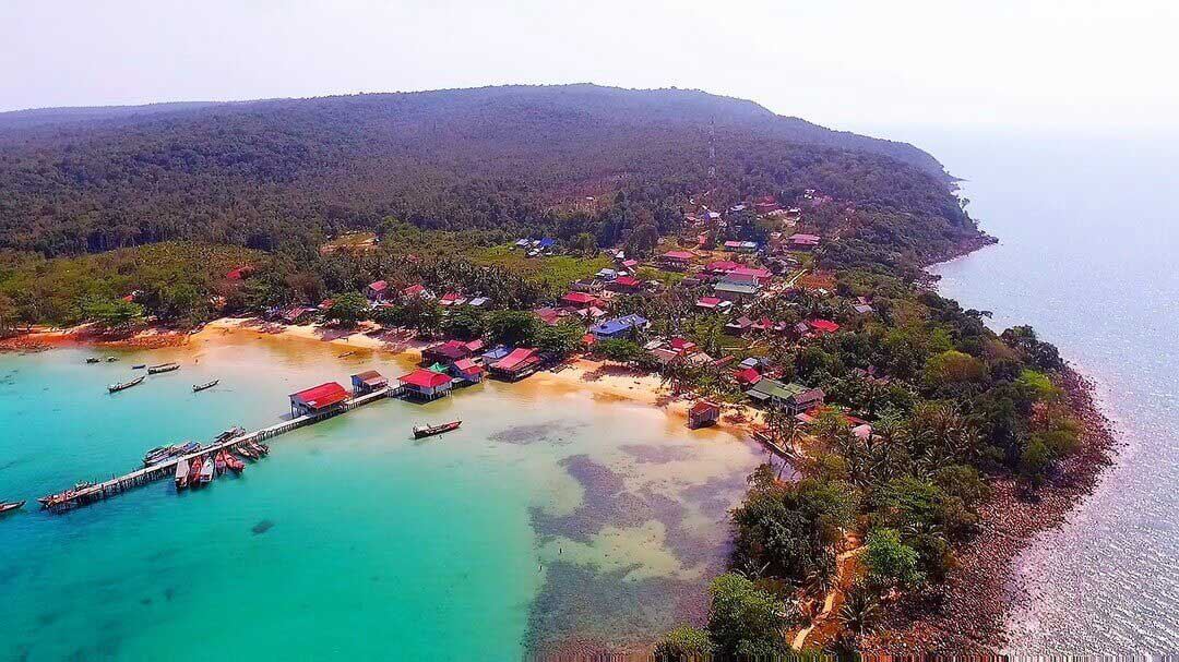 M'Pai Bay on Koh Rong Samloem Island კამბოჯის