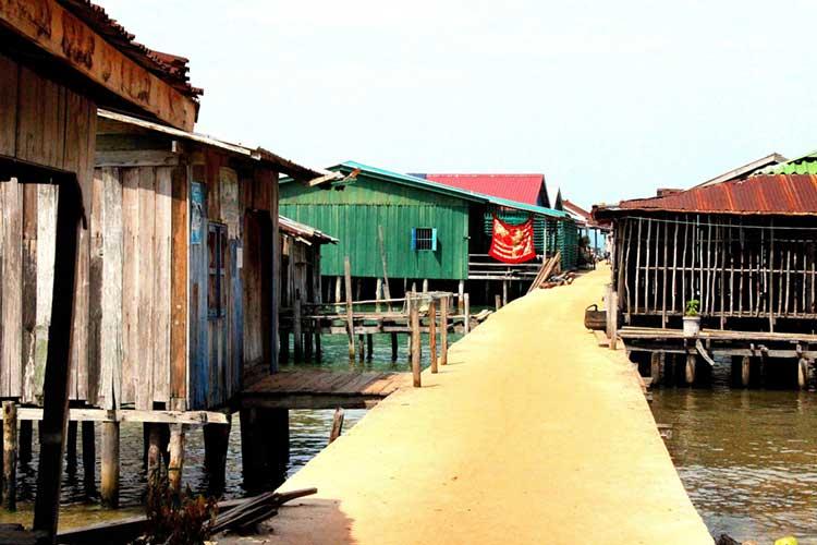 Daem Thkov Village op Koh Rong