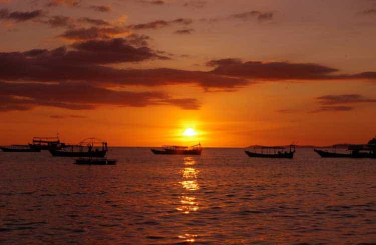 Sunset-in-Sihanoukville-Queenco-Hotel