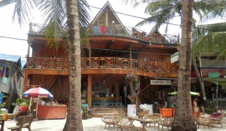Green Ocean Guesthouse на Koh Rong востраве ў Камбоджы