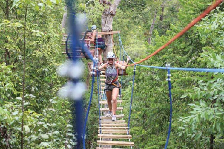 High Point Zipline em Koh Rong